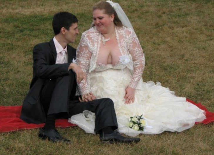 embarrassing-wedding-pics-1