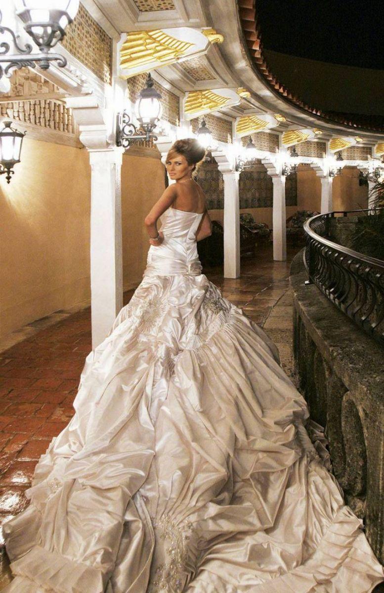 melanias-wedding-gown